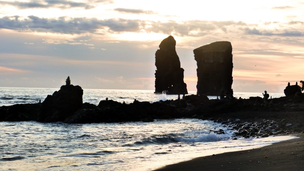 Que voir Açores | Mosteiros et sa plage de sable noir