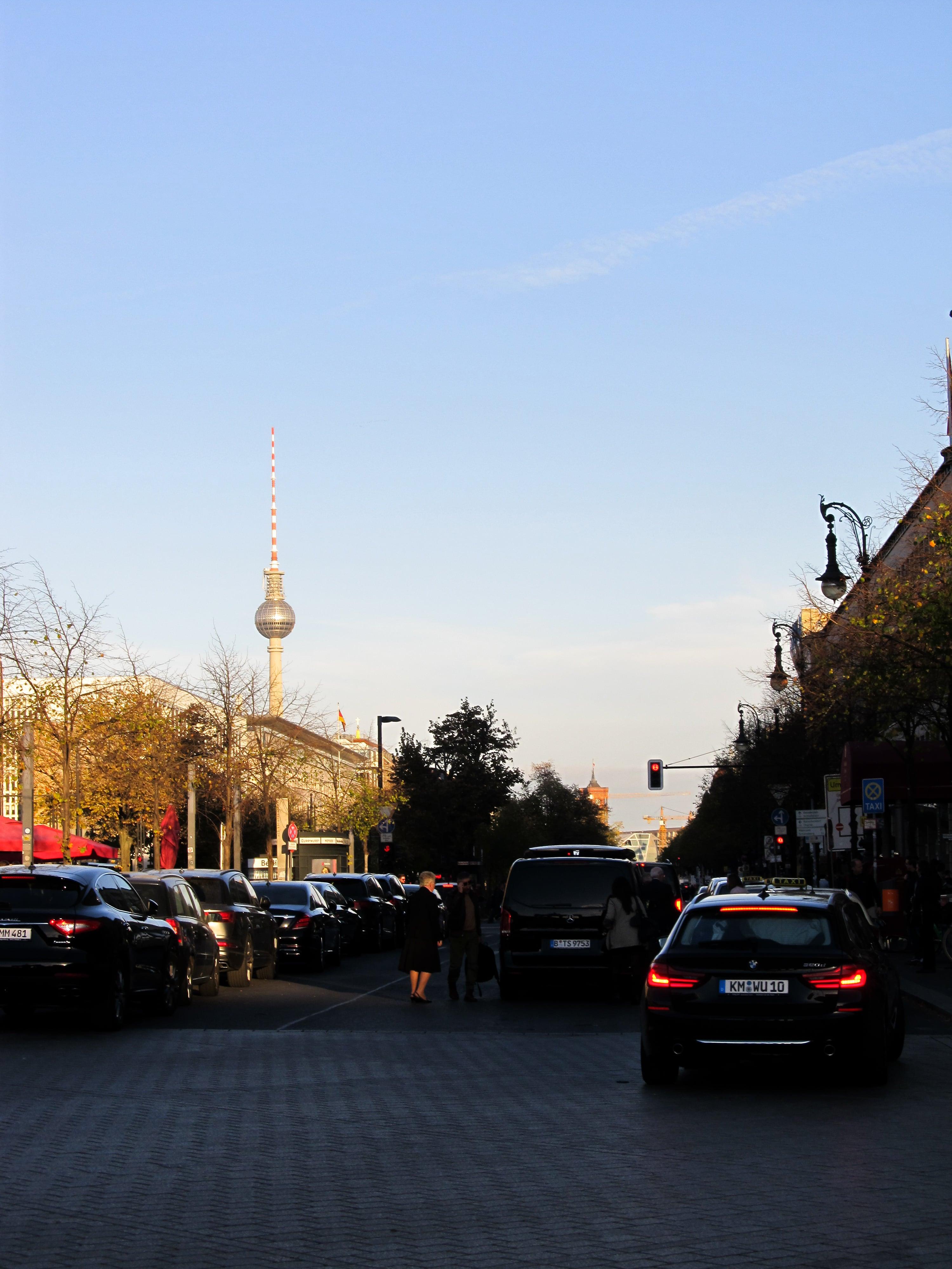 Porte de Brandebourg : En route pour Berlin avec un nouveau city-guide sur le blog Unterwegs.
