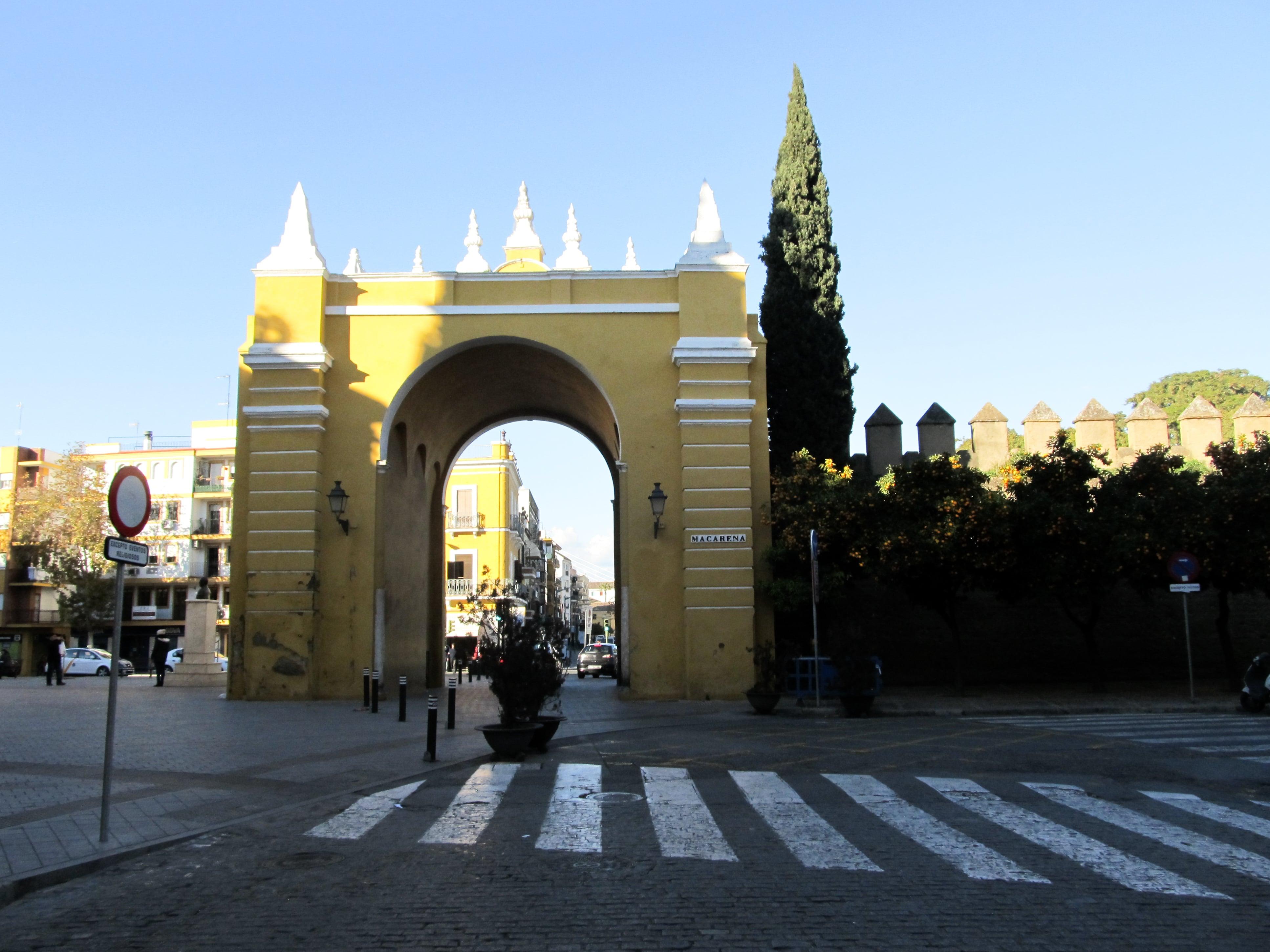 Porte de la Macarena : Partez à Séville à la découverte des quartiers Santa Cruz et La Macarena en plein mois de janvier.