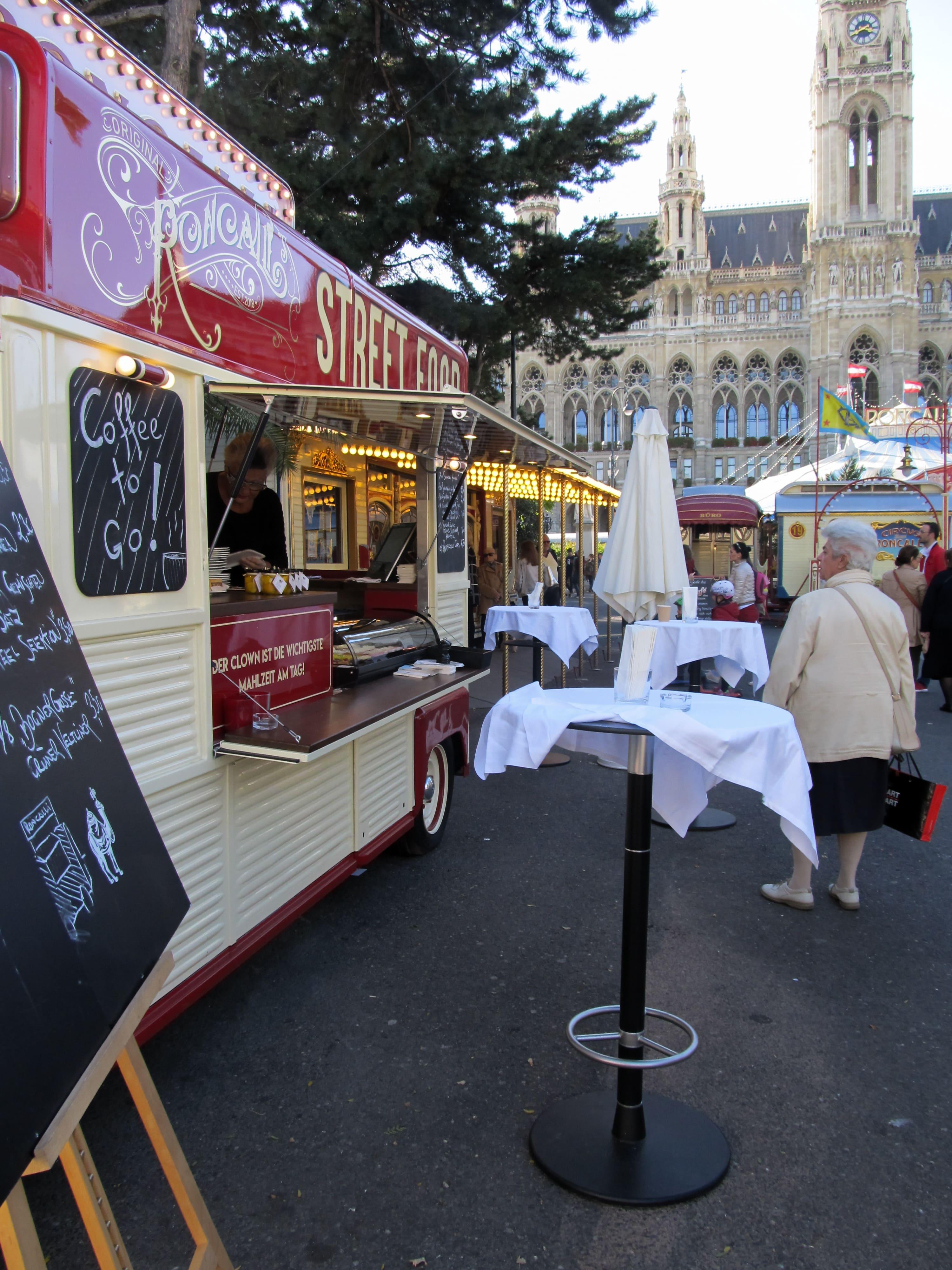 Mairie : Découvrez la majestueuse Vienne avec les 5 immanquables à voir pour une visite expresse.