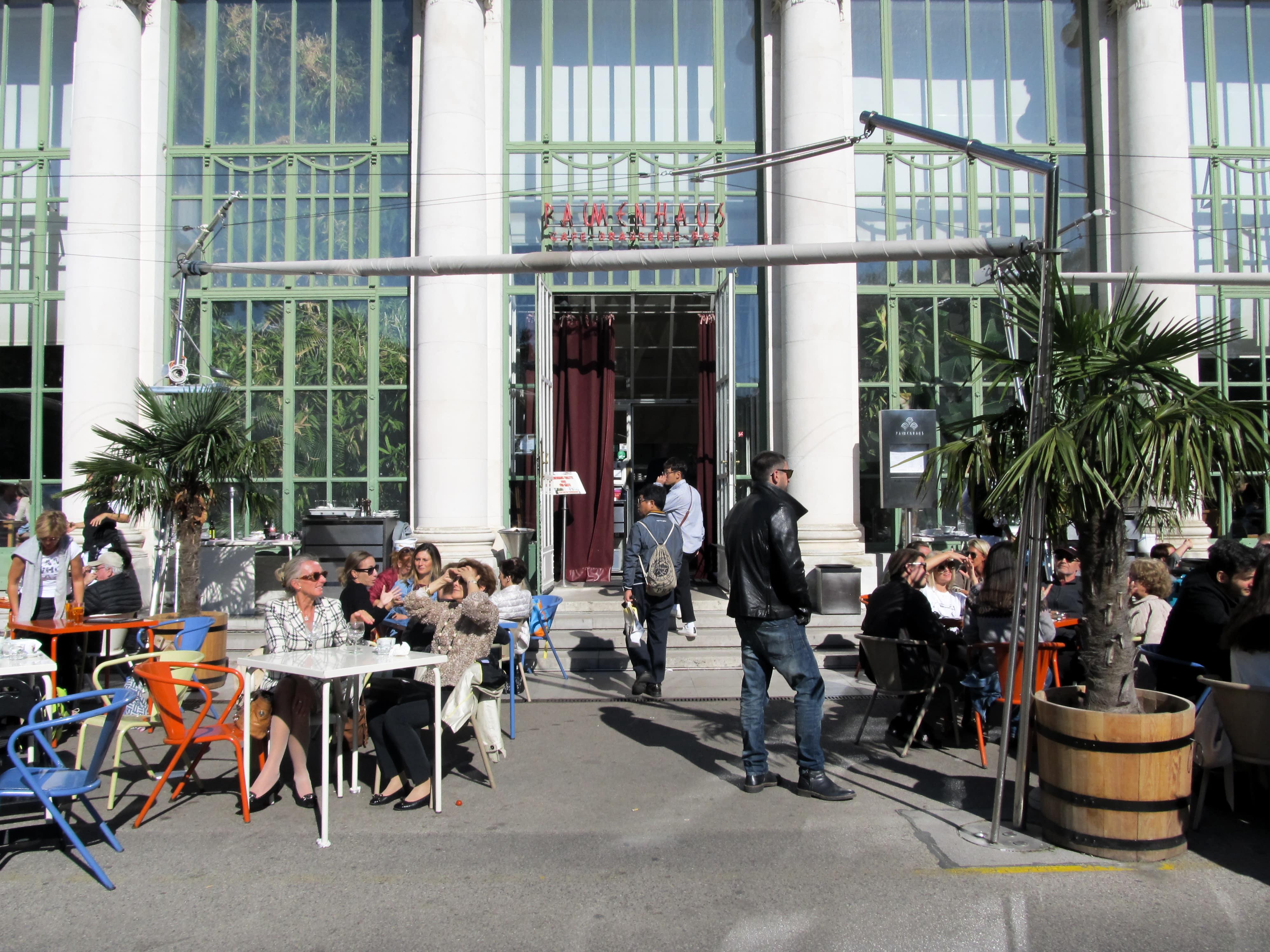 Palmenhaus : Découvrez la majestueuse Vienne avec les 5 immanquables à voir pour une visite expresse.
