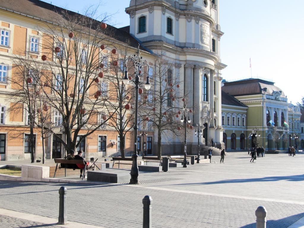 Dobo tér : Éloignons de Budapest pour aller découvrir Eger dans le nord est de la Hongrie. Visites, monuments, recommandations et restaurants.
