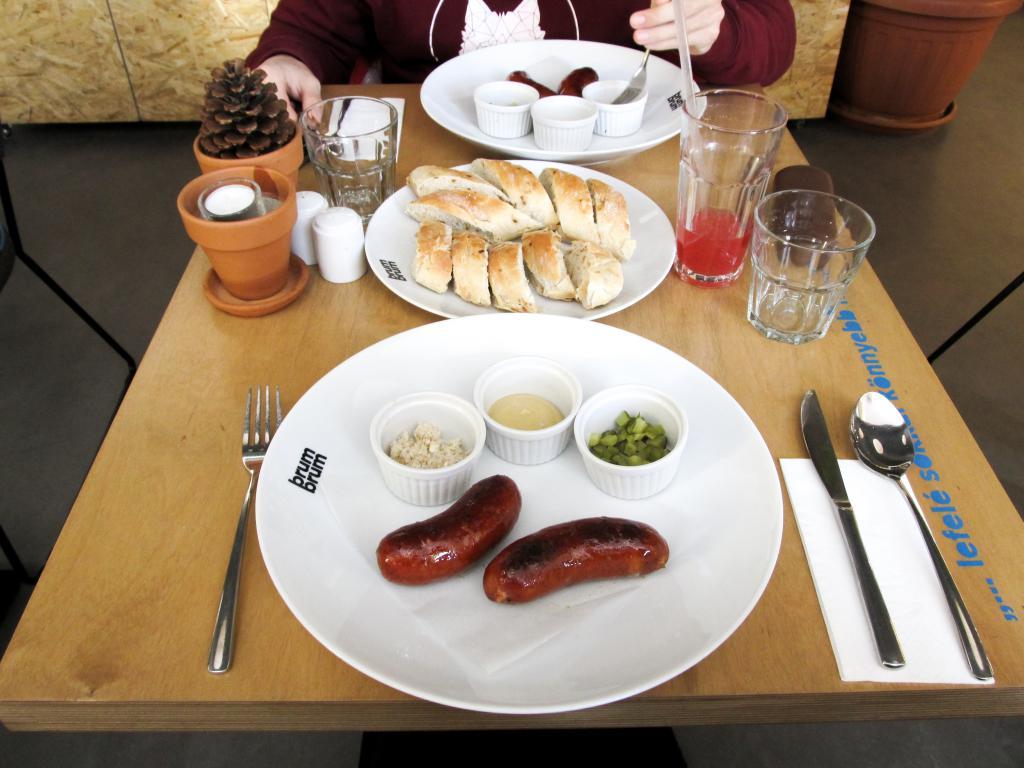brumbrum : Éloignons de Budapest pour aller découvrir Eger dans le nord est de la Hongrie. Visites, monuments, recommandations et restaurants.