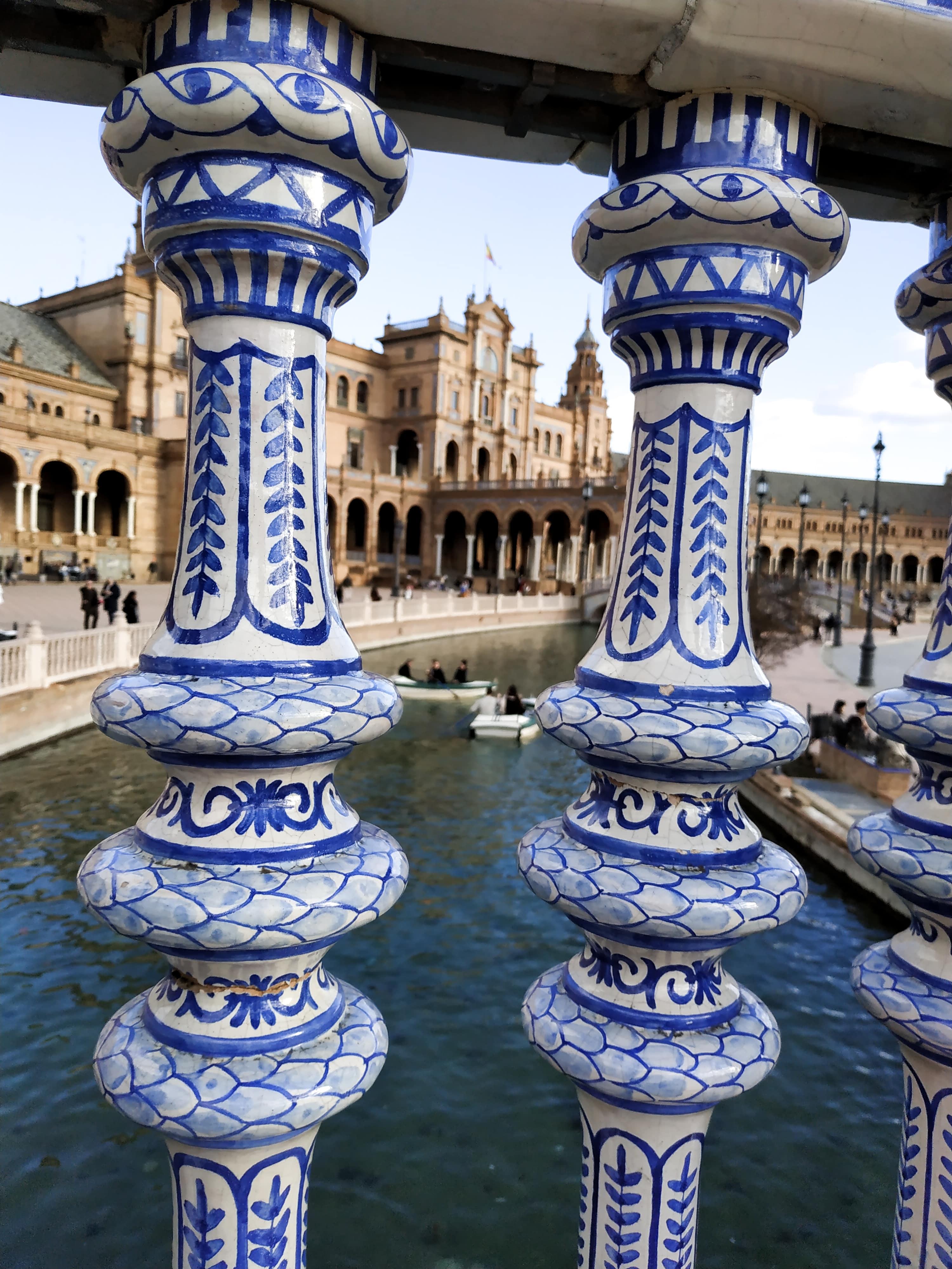 Place d'Espagne : Retrouvez ici toutes les informations pour organiser votre long week-end à Séville, en Andalousie.