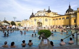 Thermes Széchenyi : Partez à la découverte des meilleurs thermes de Budapest : conseils, comparaisons et recommandations.