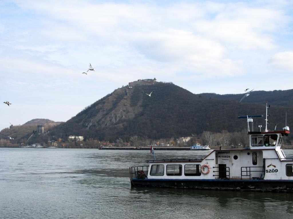 Quittez Budapest pour aller Visegrád dans la belle boucle du Danube. Paysages sublimes hongrois. Découvrez dans cet article ce qu'il y a à y faire et y voir.