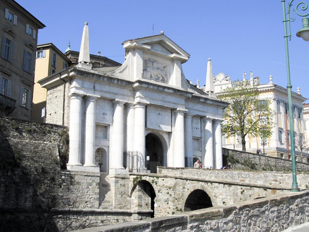 Remparts vénitiens : Découvrez dans cet article les choses à faire pour visiter Bergame à quelques kilomètres de Milan.