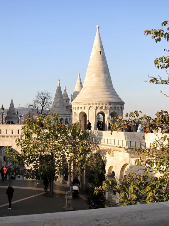 Retrouvez dans cet article toutes les informations pour organiser un échange universitaire Erasmus à Budapest : logements, budget, démarches, ...