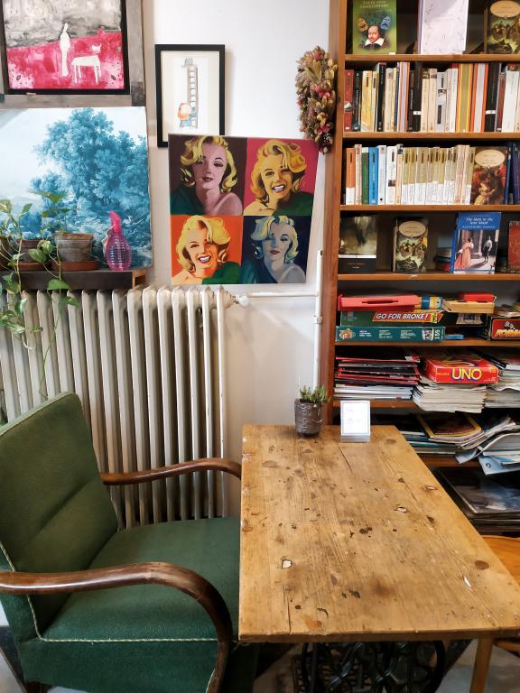 Massolit Books & Cafés : Restaurants, bars, cafés, ... voici un petit guide des bonnes adresses à Budapest pour vous aider lors de votre séjour dans la capitale hongroise.