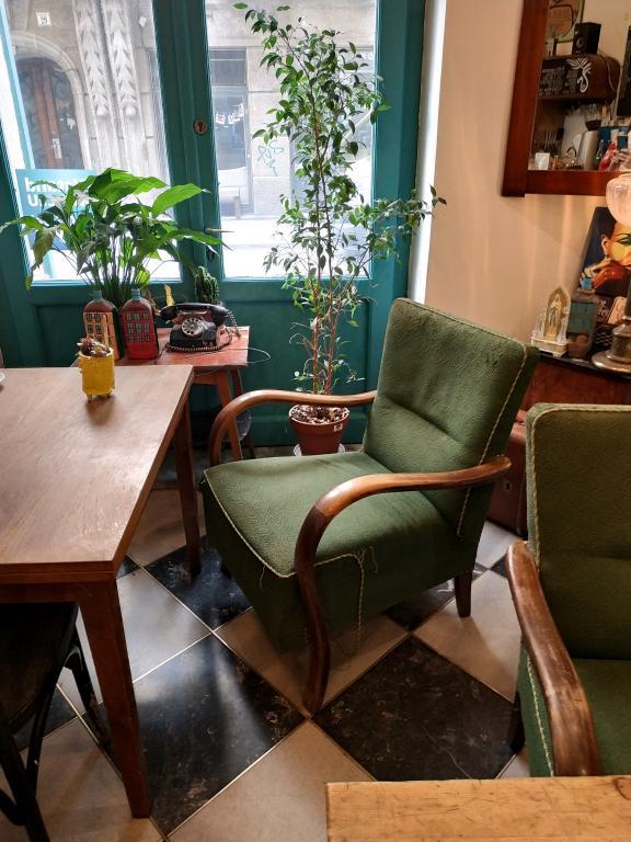 Massolit Books & Café : Restaurants, bars, cafés, ... voici un petit guide des bonnes adresses à Budapest pour vous aider lors de votre séjour dans la capitale hongroise.