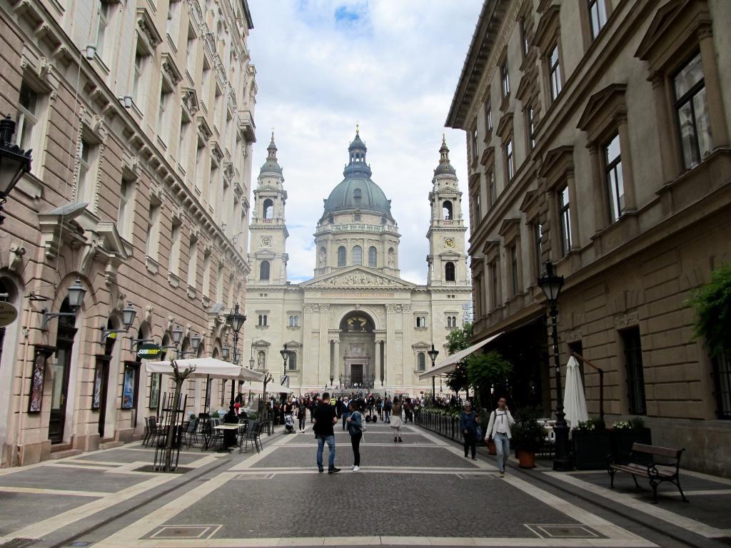 La Fabbrica : Restaurants, bars, cafés, ... voici un petit guide des bonnes adresses à Budapest pour vous aider lors de votre séjour dans la capitale hongroise.
