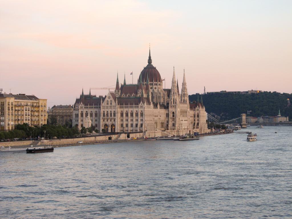 Entre sorties, rencontres et voyages, voici le récit de mon échange Erasmus d'un an à Budapest.