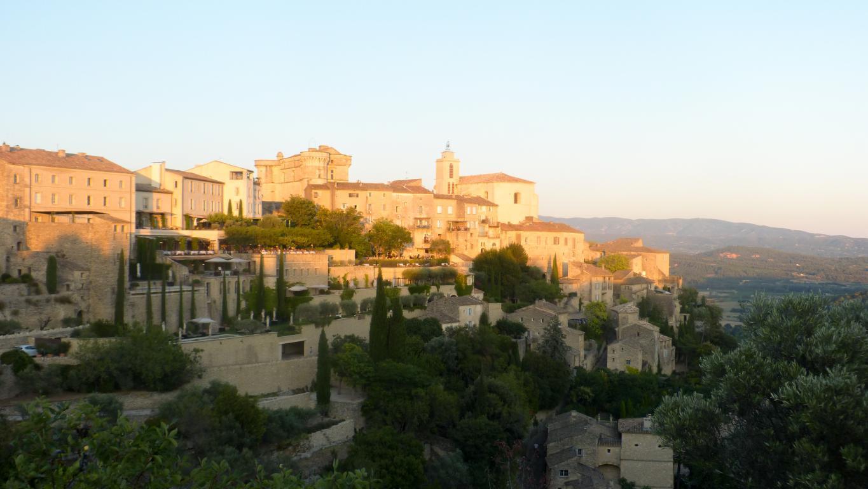 Gordes : Découvrez dans cet article 5 idées de visite lors de vacances dans le Vaucluse, au nord de la Provence.