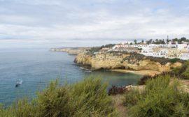 Algar Seco | Découvrez dans cet article les plus beaux endroits, notamment les plages et villages, de la côte sud de l'Algarve au Portugal.