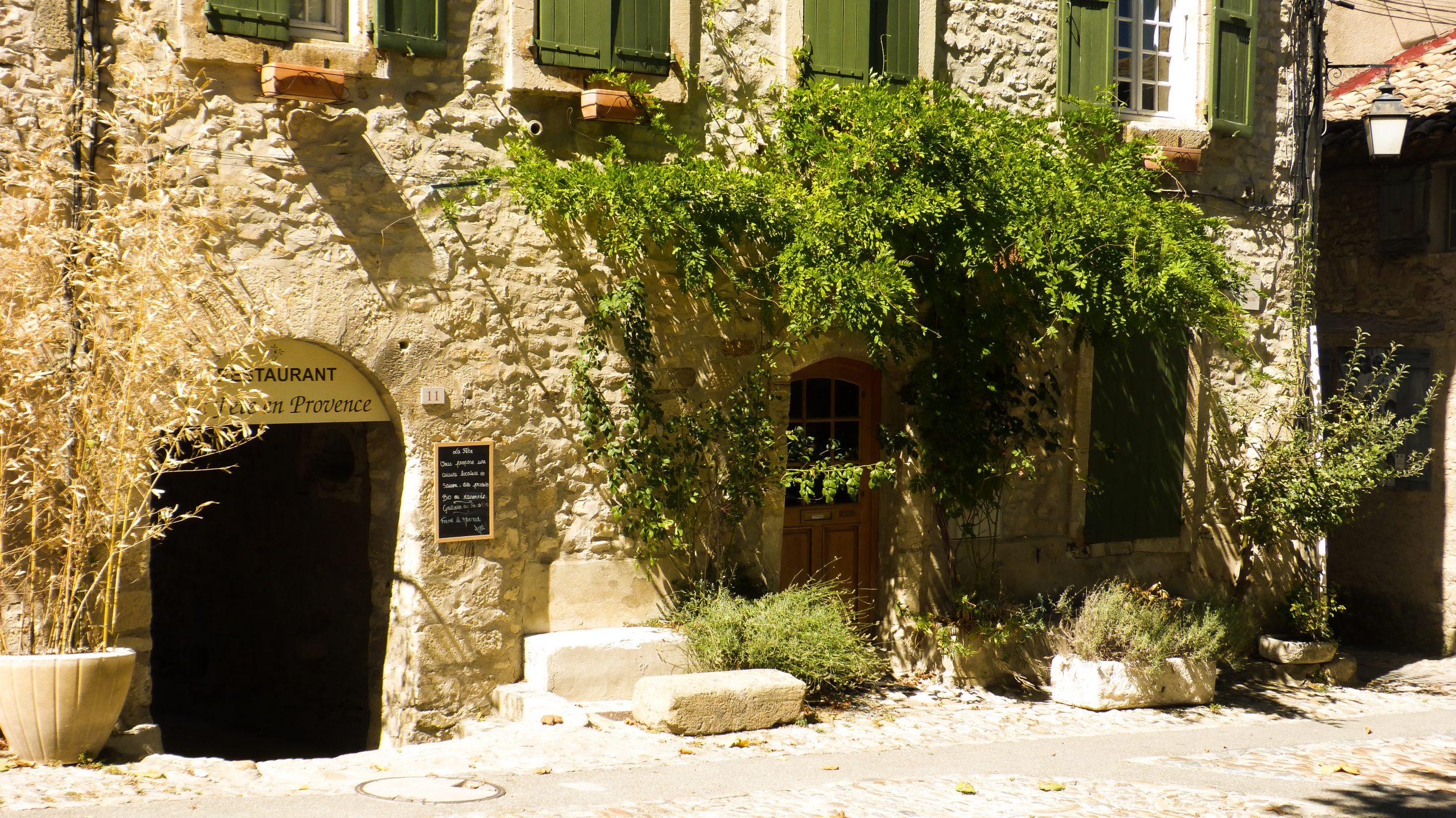 Vaison-la-Romaine | Cité médiévale dans la haute-ville