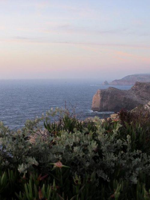 Cap Saint Vincent : Retrouvez dans cet article des conseils pour visiter la côte ouest de l'Algarve au Portugal, entre Sagres et Odeceixe.